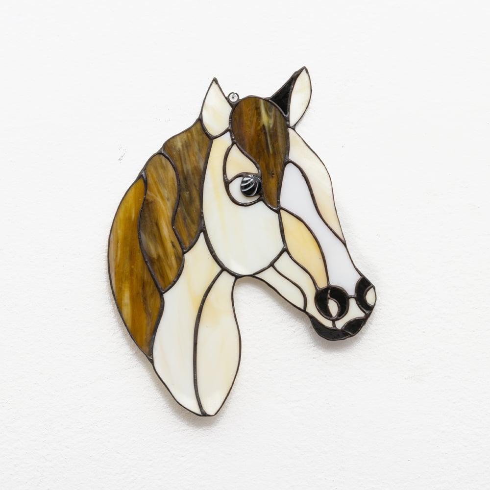 witraż koń