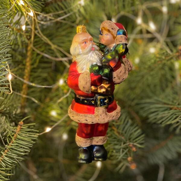 Mikołaj z dzieckiem